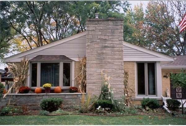 Bay & Twin Casement with Siding on the Gable in Buffalo Grove, IL (1)