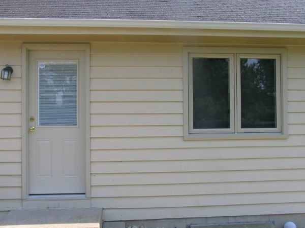 Entry Door with Internal Blinds in Buffalo Grove, IL (1)